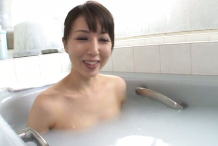 Sayuri ikuina. Sayuri Ikuina Asian takes bath and spoils cunt with shower water